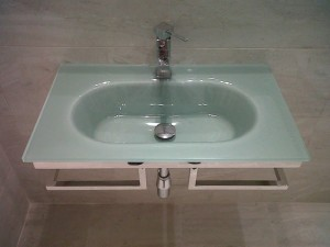 mueble lavabo de diseño en aseo