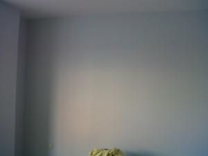 aplicación pintura plástica en habitación