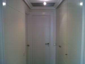 montaje puertas y molduras lacadas blanco