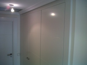 montaje frente armario lacadas blanco a juego puertas