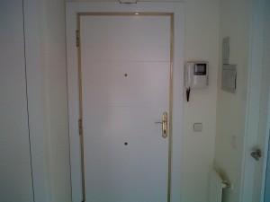 panelado puerta entrada blindada lacado blanco 2