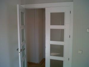 detalle puerta salón v4 hoja izquierda abierta