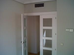 detalle puerta salón v4 hoja izquierda abierta 2