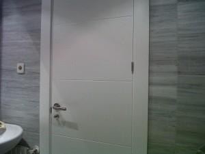 puerta interior baño