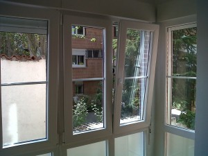 ventanas oscilobatientes abatibles