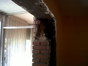demolición de paredes para redistribución de vivienda