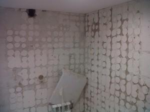 demolición azulejos baño