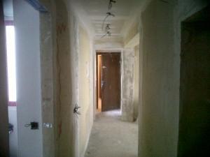 pasillo vivienda en reforma techos pladur