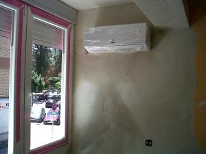 detalle cerramiento aire acondicionado paredes enlucidas