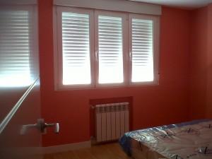 reforma ventanas paredes lisas puertas lacadas tarima y rodapié