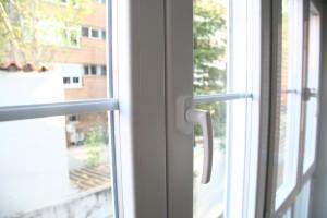 cerramiento frente y laterales pvc con doble acristalamiento 3