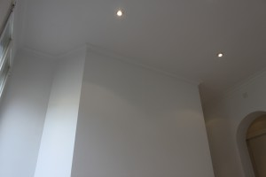iluminación halógeno en techo salón