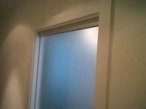 puerta corredera de cristal en cocina