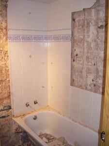 demolición de baño inicio de trabajos de reforma